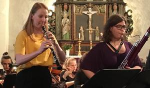 Ålands egen Anna Randelin, oboe, och Kirstine Lassen, fagott, stod liksom de övriga två solisterna för en härlig spelglädje som smittade av sig. Bild: Lars Westin