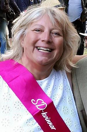 Lotta Appelqvist, tidigare Sverigedemokrat. Hon uteslöts på grund av ifrågasättanden och för att hon var högljudd.