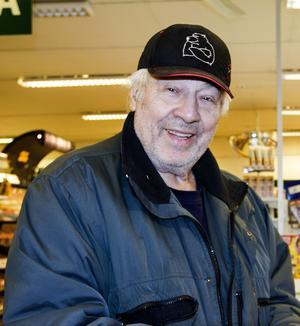 Rolf Nordin bor i Kvissleby men handlar ofta i Bredsand på väg in till särbon i stan.