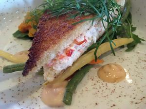 Krispiga vaxbönor är ett piggt komplement till skaldjurssmörgåsen.