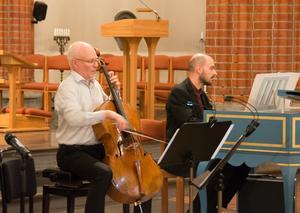 Åke Hedman och Otto Ratz spelar något av det första som skrevs för cello som solistiskt instrument.