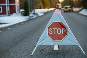 Efter tre timmar öppnades länsväg 344 för trafik igen.