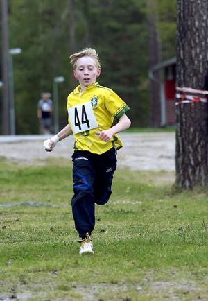 Alexander Döss sprang in som tvåa i pojkar 9–12 år.