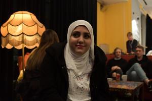 Ayysha Badra. Ayysha pratar om när Frida Scar spelade på Kungen och att det är något hon kommer minnas hela livet. Bild: Luka Kjerrman