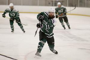 Sala Hockeys Isac Rathgeb svarade för fem assist mot Östhammar.