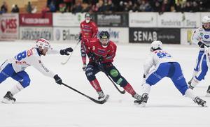Simon Jansson och Edsbyn bara blåste över Vänersborg hemma i arenan.