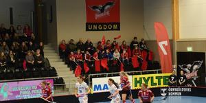 Publikstödet i Skyttis Arena var starkt genom hela matchen.