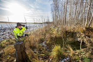 Gammal jordkällare. På en av åkerholmarna i sydliga delen av undersökningsområdet finns tydliga lämningar av ett 1800-talstorp.