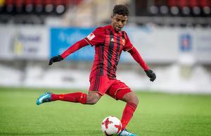 Tesfaldet Tekie får prova sina vingar i U21-landslaget.