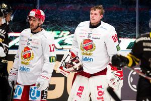 Arvid Ljung och Almtuna hade ingen rolig säsong – men Ljung följer inte med ner i hockeyettan. Foto: Bildbyrån