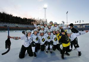 2010 gjorde Johanna Haräng ett mål i SM-finalen när AIK vann SM-guld. Förutom AIK har hon även spelat i Ljusdal, Edsbyn och nu Hammarby. Bild: Sören Andersson / SCANPIX