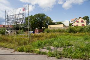 Det är det kommunala bostadsbolaget Faxeholmen som står bakom byggandet av lägenhetshusen på tomten mellan Styrmansgatan och Timmermansgatan i Söderhamn.