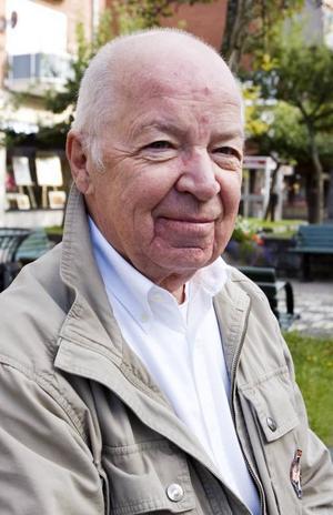 Ny Ordnings Joe Eriksson Gladh hängs ut som medlem i Sverigedemokraterna i ett hackat register som lagts ut på internet.