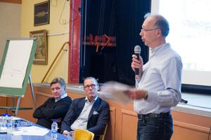 För att svara på frågor om Brickagruvan fanns Lars Alm och Christer Holmgren från Svenska vanadin, samt journalisten Arne Müller.