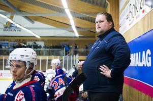 William Callmyr, sportchef och assisterande tränare i Kovland.