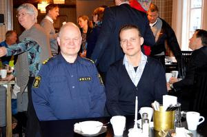 Erik Gatu och Kristoffer Olerås pratade om framgångarna med grannsamverkan i Stora Skedvi och hur man nu kan gå vidare i Säter.