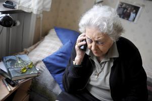 Många bedragare riktar in sig på äldre offer. Foto: Bertil Ericson/TT
