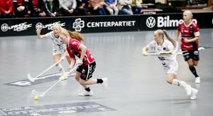 Johanna Hultgren försöker sätta igång ett anfall i tredje perioden, när Pixbo kommit tillbaka. Men Kais Mora lyckades aldrig jobba sig in i matchen igen.