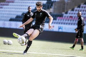 Ferhad Ayaz lämnar ÖSK, för spel hos allsvenska nykomlingen Dalkurd.