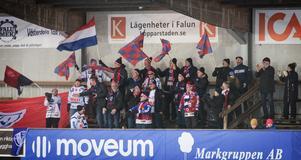 Bandysurr lyfter fram supportrarnas engagemang – på bilden Kungälvs hängivna fans.