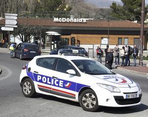 Minst tre personer skadades voi skjutningen i Grasse, södra Frankrike..