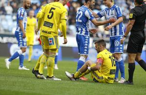 Carlos Moros Gracia hade en tuff dag på jobbet när GIF förlorade mot IFK Göteborg. Bild:Jonas Lindstedt/TT