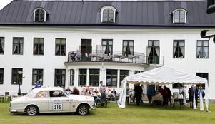 Från klockan 11 fram mot 15-tiden serverades Midnattssolsrallyts deltagare på lunch vid Hellefors herrgård.