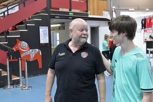 Göran Lindén med Alexi Blouzat som gör sin andra sommarvecka på AWFC.