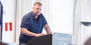 """""""I vårt fullt ut finansierade budgetförslag får äldreomsorgen de resurser som krävs för att kunna behålla demensplatserna i Fredriksberg och för att slippa stora personalnedskärningar"""", skriver  Lars Handegard (V) Ludvika. Foto: Martin Wik"""