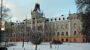 Kiörningskolan från 1896 på Södra vägen började som dövstumskola som senare blev Kristinaskolan.