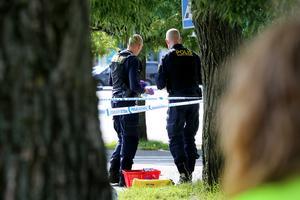 Dagen efter mordet på parkeringen utanför Kupolen säkrades spår av polisen.