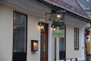 Hammar-huset pryds av en ny skylt.
