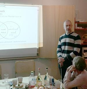 Socionom/leg psykoterapeut Johan Wallgren föreläste på Föreningen för legitimerade psykoterapeuter i Jämtlands läns årsmöte. Foto: Gunnar Hultin