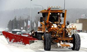 Snart hyvlat klart på vägarna i Timrå.