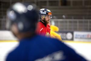 Ett annat av Falu BS nyförvärv inför säsongen, Mattias Blom, var också på plats när man hade ispremiär.