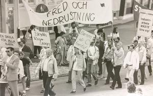 Första majdemonstration i Västerås 1990.