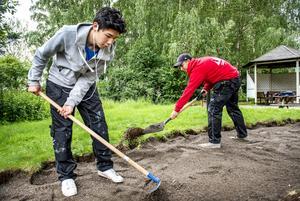 Ungdomar som sommarjobbat klarar sig bättre på arbetsmarknaden, skriver Ewa-Leena Johansson, ordförande i kommunstyrelsen i Ljusnarsbergs kommun (S).