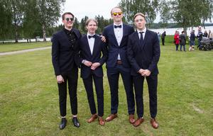 Gabriel Bäcke, Ville Suominen, Johan Björkman och Jonathan Lindström åkte Audi till balen.