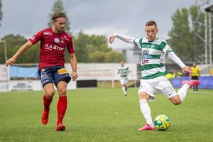 Foto: David Lidström Hultén/Bildbyrån. Västerås Petar Petrovic och Örgrytes Danny Ervik under fotbollsmatchen i Superettan mellan Västerås och Örgryte den 11 augusti 2019.