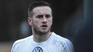Jordan Binns kom till Sverige för fotbollens skull som 19-åring. Nu har han träffat kärleken och blivit kvar – och gör sin andra säsong för Östavall.