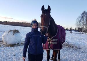 Sophie Ställberg tillsammans med fölmärren Aberfeldy.