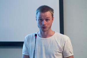 Andreas Högdahl debuterade i fullmäktige och framhåller att Nordanstigspartiet inte är övertygade om förtjänsterna med fiskevårdsprojektet.