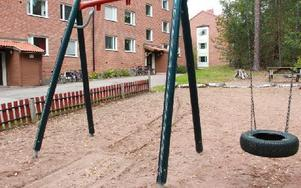 På den här lekplatsen klämdes en fyraåring fast i en gunga, som därefter togs bort av räddningstjänsten. Foto: Sylvia Kjellberg