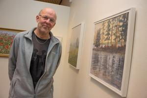 Vatten är ett av konstnären Åke Nordbergs favoritmotiv. För att kunna fånga ögonblicket brukar han fotografera det han ser och sedan måla av.