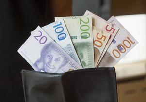 Räntorna är låga i dagsläget, därför blir det mindre viktigt att jämka skatten. Foto: Fredrik Sandberg/TT