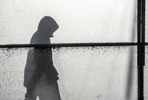Känslan av att ofrivilligt vara ensam kan leda till ohälsa. Foto: Anders Wiklund/TT