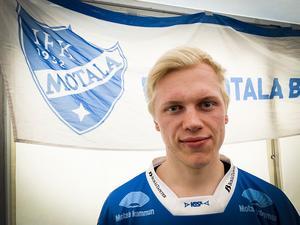 Viktor Spångberg är en av flera som skrivit nytt kontrakt med IFK Motala.
