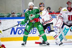 Gustav Backström fick hoppa in som forward mot Rögle. Foto: Ludvig Thunman/Bildbyrån