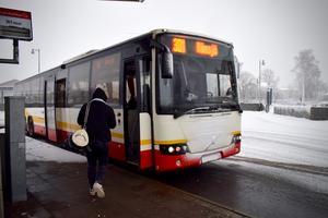 Ta inte dörren där fram, utan använd i stället mittendörren, ber Jönköpings länstrafik sina resenärer just nu. (Bilden är en arkivbild).