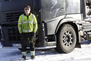 Anders Johansson är orolig för att en allvarlig olycka ska ske efter riksväg 26.